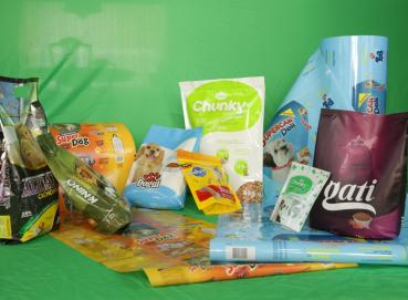 PET FOOD  - PET CARE – ROLLS AND BAGS. Image