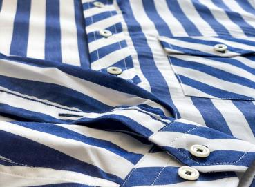 Thick striped shirt Image
